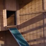 Konijnenhok Holiday Large met geopend nachthok en loopplank