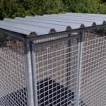 Kattenren is voorzien van volledig dak.